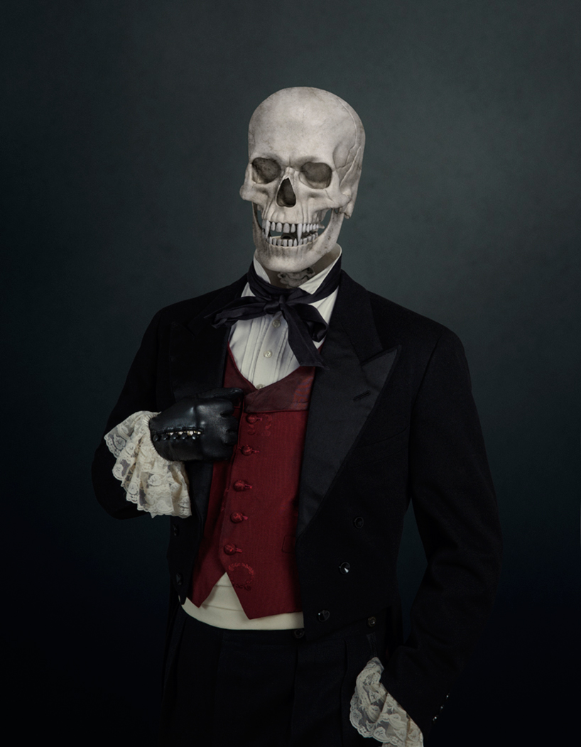 travis-durden-skulls-of-the-villains-designboom-06