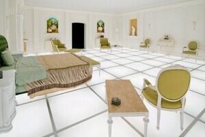 2001-bedroom-replica-03