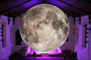 luke-jerram-museum-of-the-moon-designboom-03